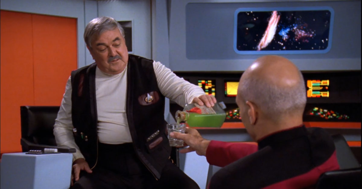 Scott and Picard have a drink
